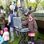 Pokaz historycznego i aktualnego sprzętu wojskowego