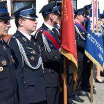 Poczty sztandarowe Państwowej Straży Pożarnej i Ochotniczej Straży Pożarnej.