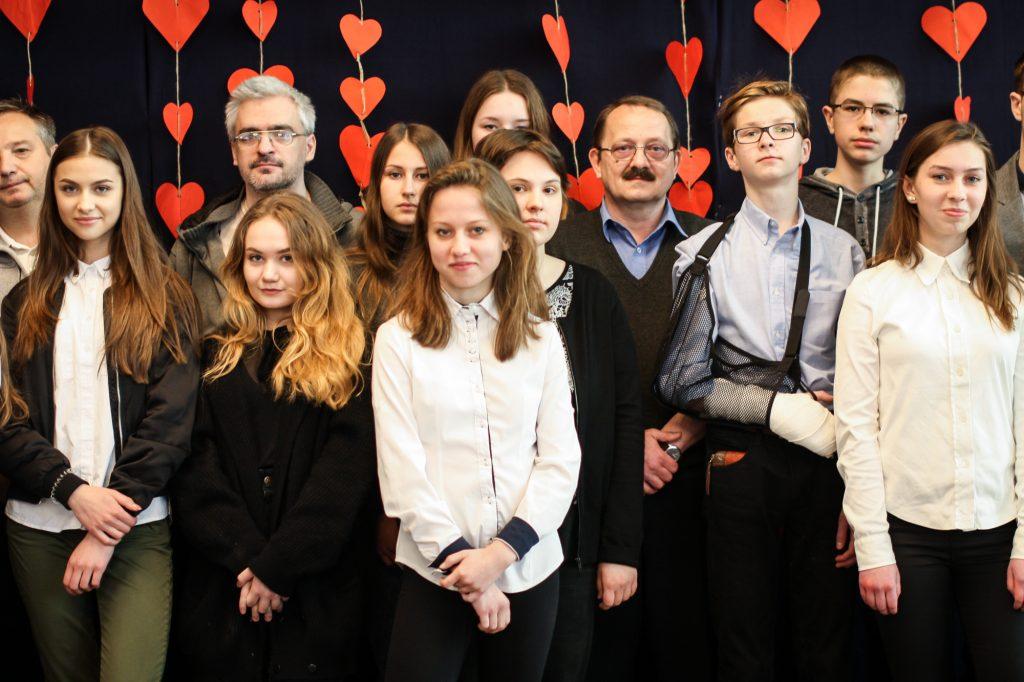 Grupa uczniów biorących udział w konkursie