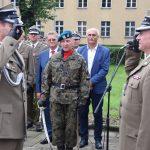 Żołnierze podczas uroczystości w jednostce wojskowej