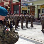 Defilada żołnierzy 1.BPS
