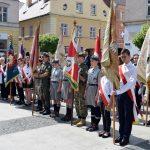 Poczty sztandarowe podczas uroczystości z okazji 227 rocznicy uchwalenia Konstytucji 3 Maja