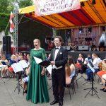 Ponad 60 artystów z Młodzieżowej Orkiestry Dętej z Leśnicy porwało brzeską publiczność do wspólnej zabawy