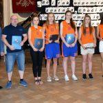 Najlepsi uczniowie i sportowcy podczas uroczystości wręczenia Stypendiów Starosty Powiatu Brzeskiego