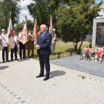 Starosta Powiatu Brzeskiego Maciej Stefański przemawia podczas uroczystości z okazji 75. rocznicy Rzezi Wołyńskiej