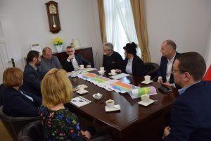 Spotkanie w sprawie budowy nowego mostu nad terenem zalewowym rzeki Nysa Kłodzka w Lewinie Brzeskim
